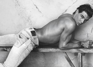 Gracias a sus atributos físicos Rafael Nadal ha conseguido ser el rostro de varias marcas de moda.
