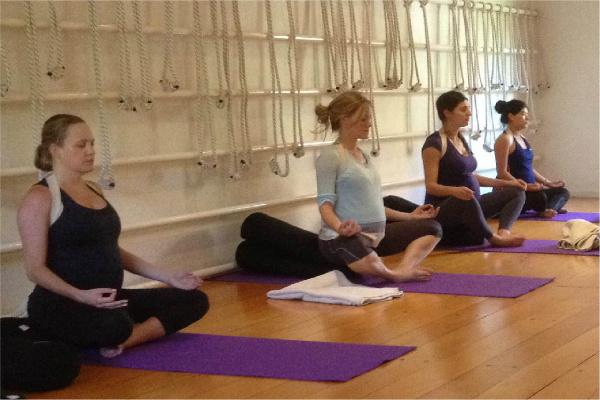 Yoga Prenatal: Crea Espacio Para tu Bebé