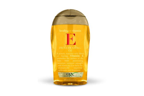 Este aceite de Vitamina E ayuda a alisar la capa externa del cabello, fusionando las puntas abiertas.