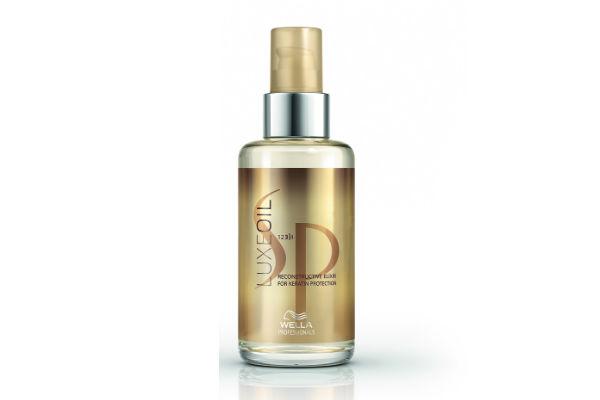 Este aceite de Wella Professionals nutre y protege el cabello por dentro y por fuera.