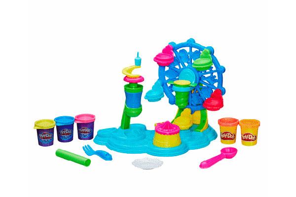 Dulces Creaciones Fiesta de Pastelitos de Play-Doh, es perfecto para que los más pequeños puedan crear y dejar volar su imaginación. Este eset de juego incluye varios accesorios para crear y decorar cupcakes, además de una fantástica rueda de la fortuna para exhibirlos.