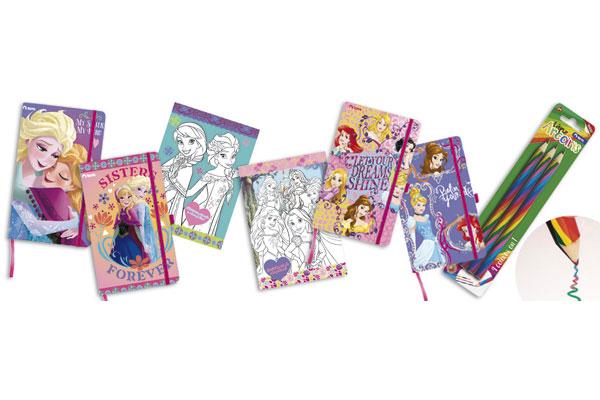 """Las libretas """"Torre Mondo"""", son un regalo ideal para las niñas que comienzan a escribir. Existen varios diseños para todos los gustos. Además el Lápiz Arcoíris de Torre es un gran complemento ya que cuenta con una mina de cuatro colores que permite crear un dibujo con llamativos diseños y tonalidades a partir de sus combinaciones de colores."""