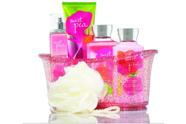 Fragancia Sweet Pea de Bath and Body Works.