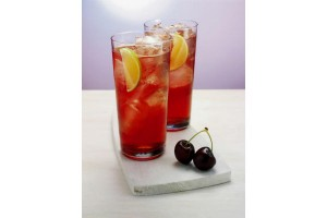 Ballantines red lime: 50 ml whisky, 12,5 ml de granadina, 12,5 ml jugo de limón, Agua con gas  y hielo.Espumante