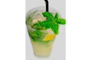 Mojito espumoso: 6 hojas de menta,  3 cucharaditas de endulzante, 2 cucharadas de jugo de limón, completar con espumante y hielo. Tequila.