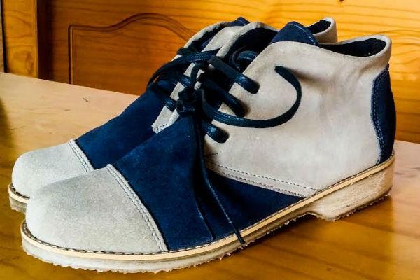 Materialismo Puro se llama una nueva zapatería donde puedes mandar a hacerle a tu papá unos lindos zapatos a pedido. Un regalo único y original, ya que utilizan materiales reciclados en su confección. Más info para regalar un par en www.materialismopuro.wix.com.