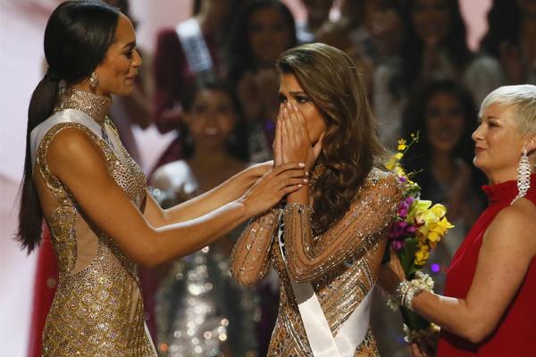 El momento en que la anuncian ganadora.