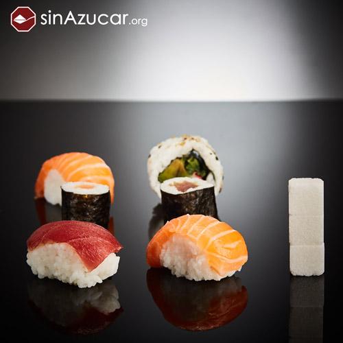 6 piezas de Sushi contienen 12g de azúcar, equivalente a 3 terrones.