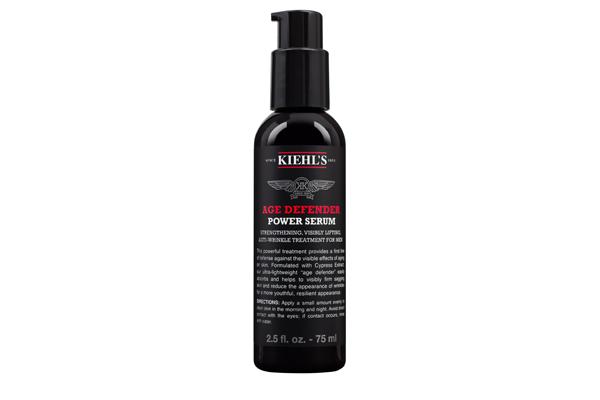 Age Defender Power Serum (Kiehls) Un tratamiento fortificante, visiblemente afirmante y antiarrugas para hombres que entrega la primera línea de defensa contra los efectos de la piel envejecida.