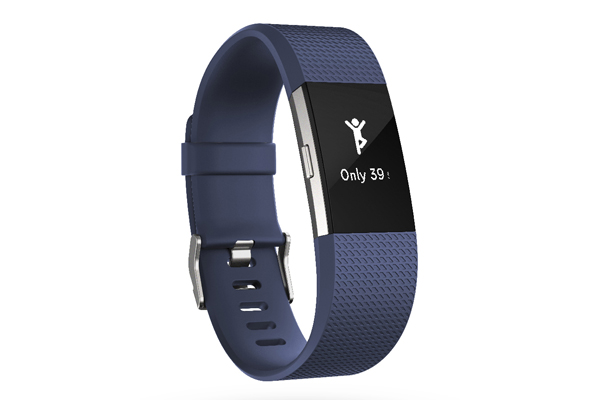 Fitbit Charge 2 es la pulsera de fitness más popular de Fitbit reinventada, con una mejor experiencia de ejercicio, nuevas herramientas de salud y fitness impulsadas por el seguimiento de la frecuencia cardíaca PurePulse, las notificaciones inteligentes que más necesitas, un nuevo y elegante diseño con una pantalla más grande.