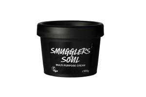 Smuggler´s Soul Hidratante Multiusos sirve como hidratante ligero para la cara, el cuerpo, las manos y los pies, e incluso puede utilizarse para afeitarse o crear un estilo de cabello.