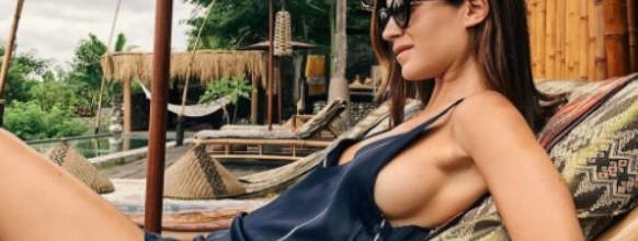 side boob