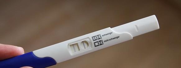 pregnant-2277768_640