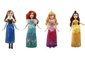 Las niñas pueden coleccionar 11 de sus princesas favoritas con Disney Princess Royal Shimmer. Las princesas están listas para brillantes aventuras, cada una con su color distintivo y detalles con brillo. Las encuentras en Hasbro Chile.