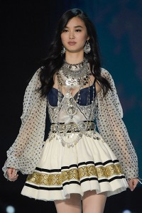 French model Estelle Chen presents a creation during the 2017 Victori