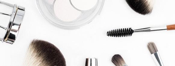 makeup-brush-1768790_640