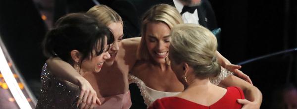 90th Academy Awards - Oscars Show ¿ Hollywood - Actresses Sally Hawkins, Saoirse Ronan, Margot Robbie and Meryl Streep embrace after Frances McDormand's Best Actress acceptance speech. REUTERS/Lucas Jackson AWARDS-OSCARS/SHOW