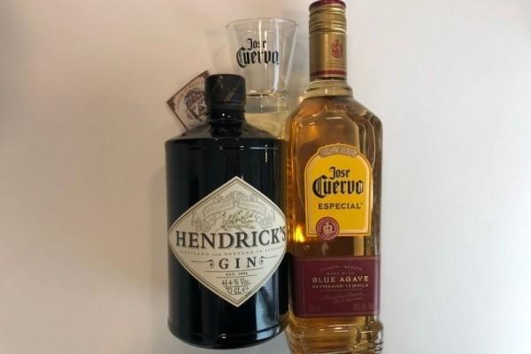 ¿Qué mejor que tomarse algo rico al llegar de la pega? Por eso, incluimos esta exquisita botella de Hendrick's junto a un notable José Cuervo, ideal para esas celebraciones de largo aliento.