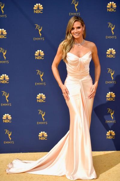 El vestido de Heidi Klum es de Zac Posen