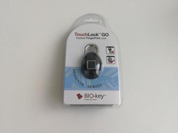 El nuevo TouchLock go, que trae a Chile la empresa SmartGoods,  es un candado que cuenta con un sensor dactilar. permite almacenar hasta 20 huellas dactilares para bloquearlo y desbloquarlo.