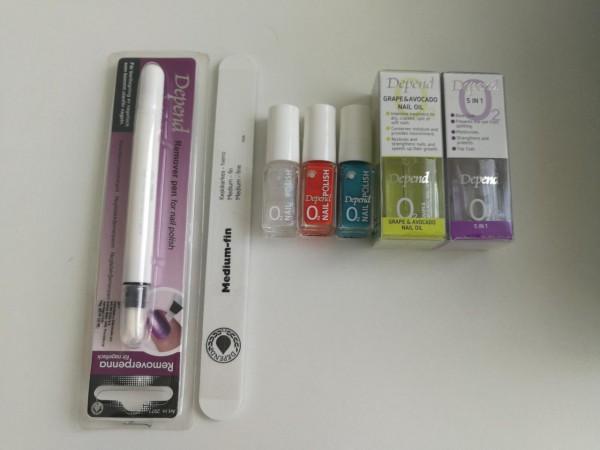 Este set de manicure con productos Depend y Oh my nails, que nos envió la tienda TUA,  dejará tus manos hermosas.