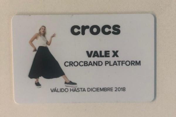 Con esta gift card podrás tener unas Crocband Platform de Crocs, que son parte de la nueva colección primavera verano. Son perfectas para descansar los pies luego de una tarde de entrenamiento o caminar con estilo por donde quieras ir.