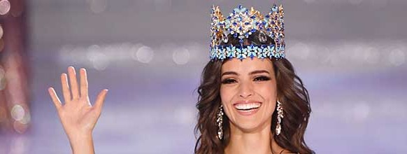 TOPSHOT - Miss Mexico Vanessa Ponce de Leon reacts after winning the 68th Miss World contest final in Sanya, on the tropical Chinese island of Hainan on December 8, 2018.   / AFP / GREG BAKER   TOPSHOTS-TOPSHOT-CHINA-MISS-WORLD