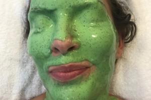 El secreto de Euge Lemos para que el maquillaje le dure toda la noche