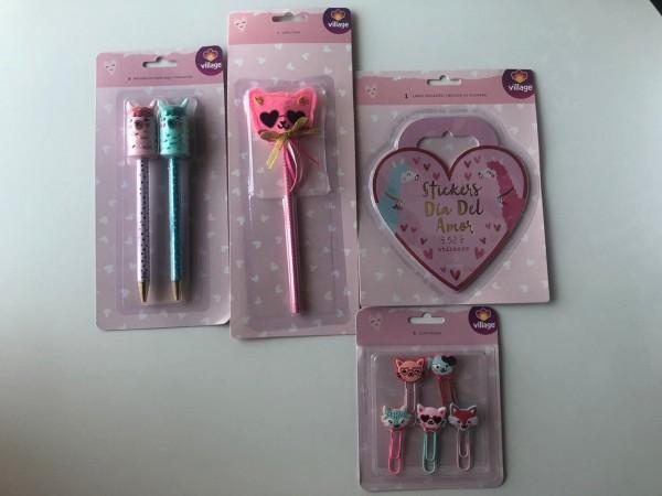 Village no podía quedar fuera en este San Valentín y se la jugaron con estos románticos set de productos para decirle cuánto l@ quieres.