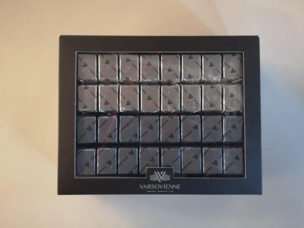 Esta caja de chocolates no estará de más a la hora de regalonearnos y Varsovienne  lo sabe, quienes acaban de lanzar dos nuevos productos dentro de su ya existente y exitosa línea sin azúcar añadida.