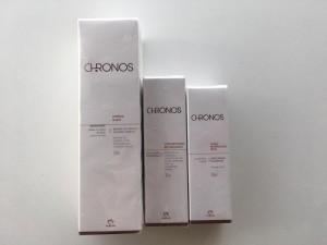 Este set de la línea Chronos de Natura, le otorgará la hidratación y protección que necesita tu piel.