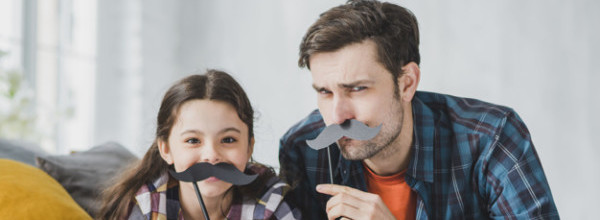 concepto-dia-padre-bigote_23-2147805477