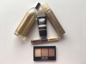 Con estos productos de Wella para el cabello y  maquillaje B y S de Ga.ma, te otorgarán brillo y luminosidad.