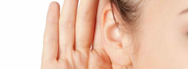 mujer-oido-oreja-escuchar