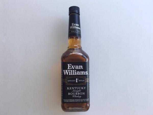 Un whiskey Bourbon de Evan Williams siempre será bien recibido.