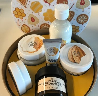 Este set de The Body Shop es perfecto para cuidar tu piel con estos exquisitos productos.