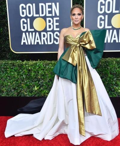 Jennifer Lopez. Twitter: @que_show_